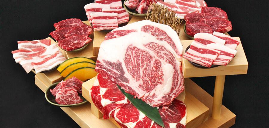 ワッショイ自慢の肉の段盛り